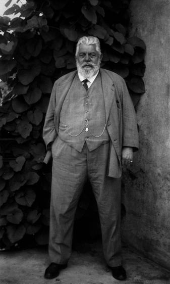 August Sander Pharmacist, c. 1930     Gelatin silver print mounted to board, printed c. 1990. 10 1/4 x 6 1/4 in.