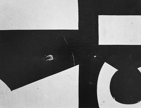 Aaron Siskind, Chicago 16, 1957