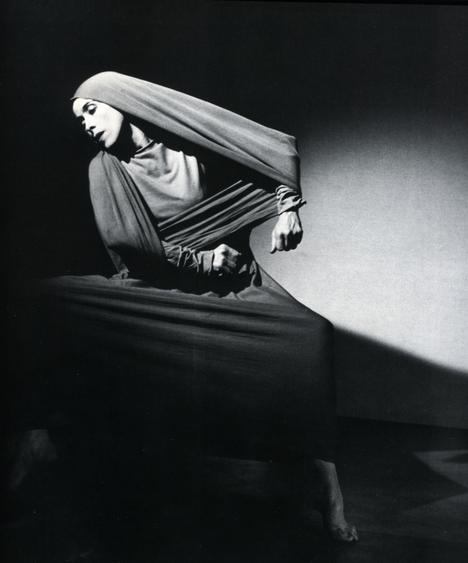 Martha Graham, Lamentation (oblique), 1935 Gelatin silver print, printed c. 1935. 10 x 10 1/2 inches
