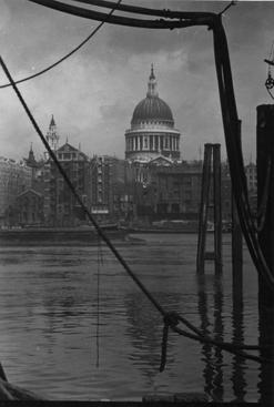 St. Paul's Cathedral from Bankside, London, c. 1925 Gelatin silver print, printed c. 1925 4 x 2 3/4 inches