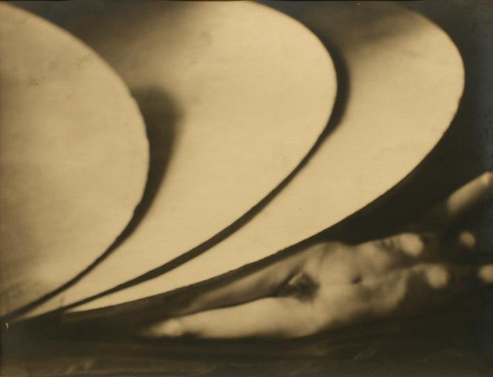 Untitled, c. 1927-35 Gelatin silver print, printed c. 1927-35 9 1/4 x 11 5/8 inches
